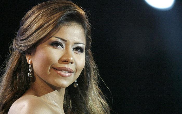 Mısırlı şarkıcıya Nil Nehri ile 'dalga geçtiği' gerekçesiyle yasak