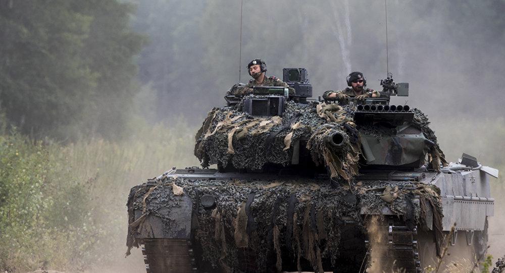 Alman Leopard tankı