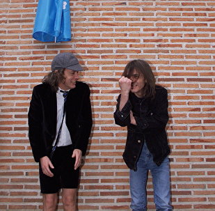 AC/DC'nin gitaristi Malcolm Young
