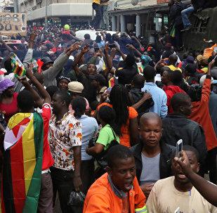 Zimbabve'de protestolar