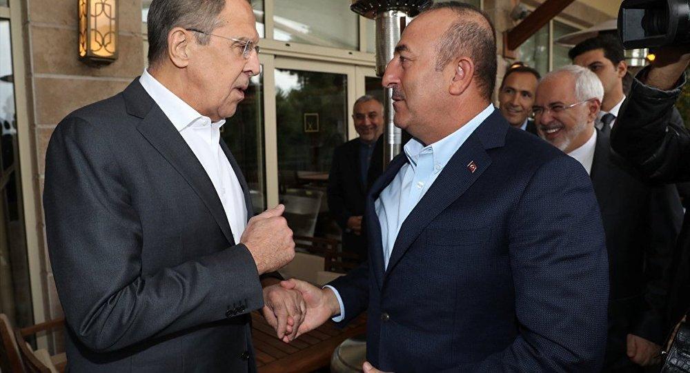 Dışişleri Bakanı Mevlüt Çavuşoğlu (sağda)- Rusya Dışişleri Bakanı Sergey Lavrov (solda)