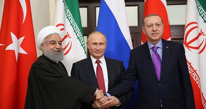 Cumhurbaşkanı Recep Tayyip Erdoğan, Rusya Devlet Başkanı Vladimir Putin ve İran Cumhurbaşkanı Hasan Ruhani