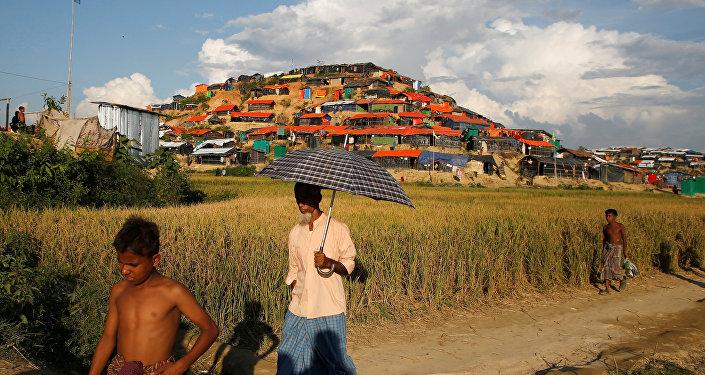 Bangladeş'te Arakanlı Müslümanlar'ın kaldığı sığınmacı kampı