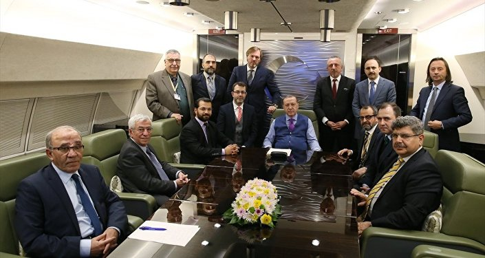 Cumhurbaşkanı Recep Tayyip Erdoğan, Soçi dönüşü uçakta gazetecilerin sorularını yanıtladı