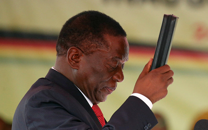 Zimbabve'de Devlet Başkanı'na bombalı suikast girişimi: 8 yaralı