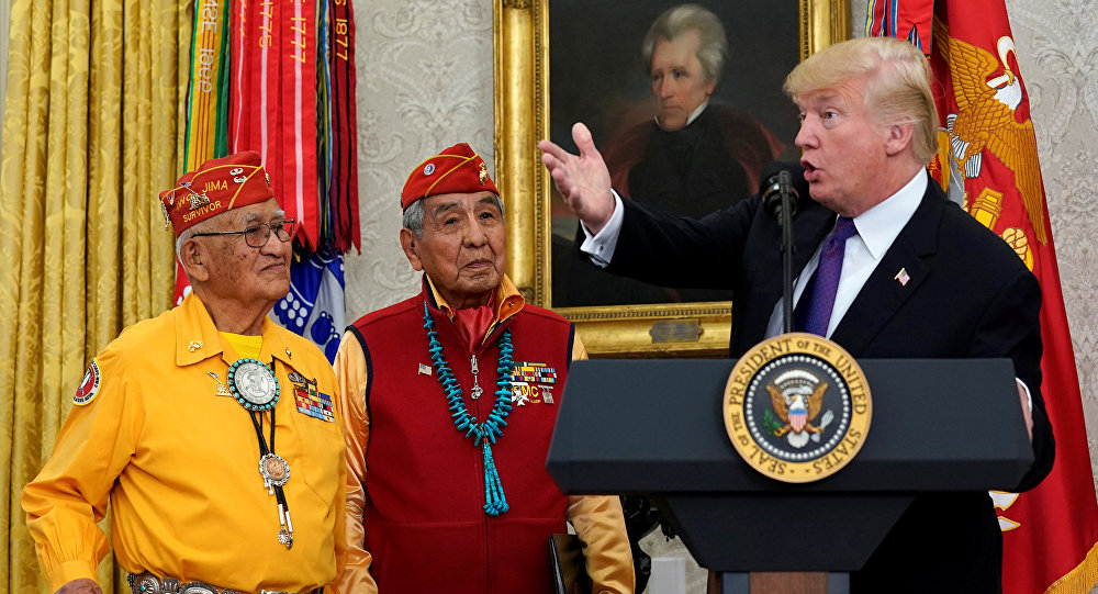 ABD Başkanı Donald Trump, Navajo yerlileriyle