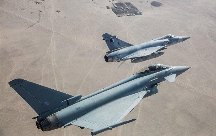Katar ile İngiltere ortak askeri tatbikat yaptı