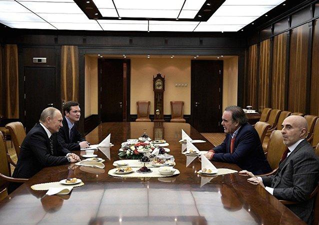 Putin, ABD'li yönetmen Oliver Stone'u kabul etti