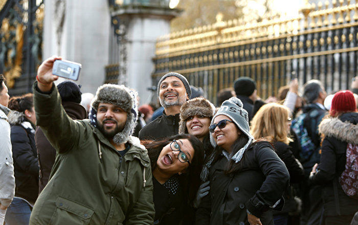 Londra'ya turist akını ekonomiyi canlandırdı