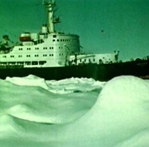 Dünyanın ilk nükleer buzkıran gemisi tam 60 yıl önce suya indirildi