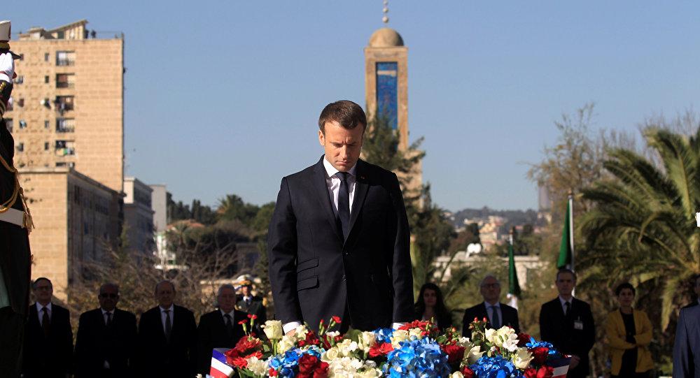 Macron Cezayir Şehitler Anıtı