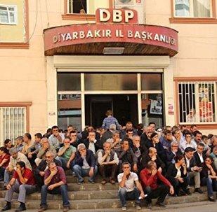 Diyarbakır'da oturma eylemi