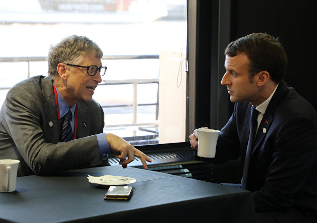 Tek Gezegen Zirvesi Bill Gates Emmanuel Macron