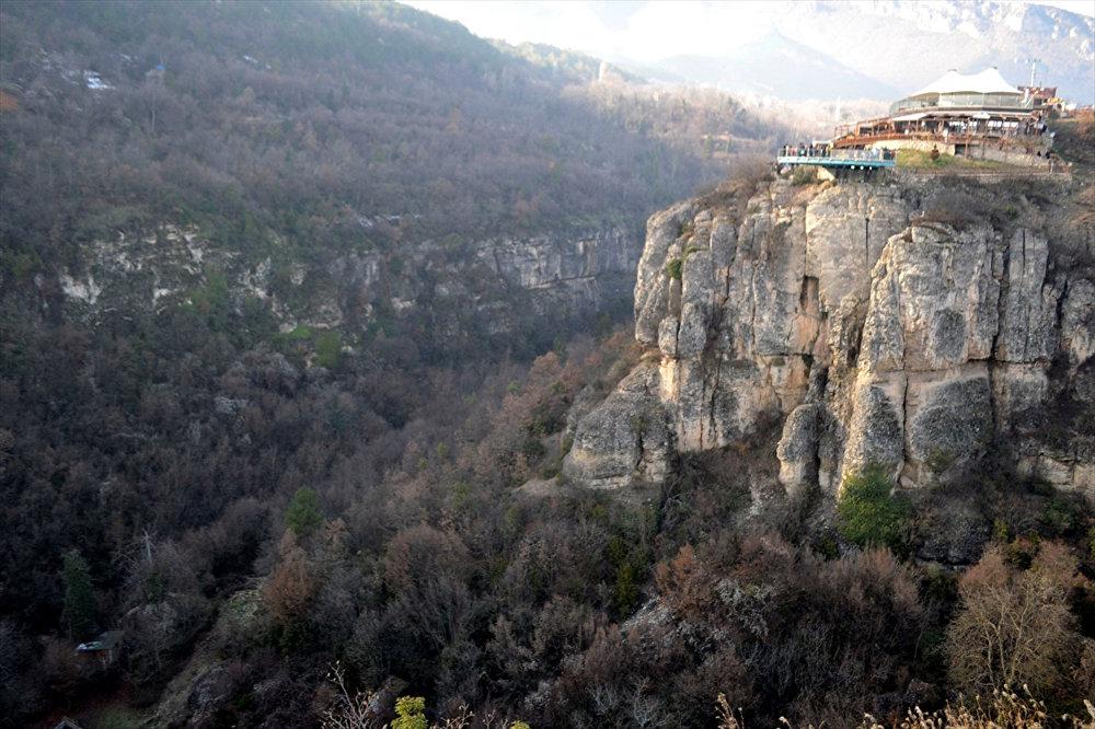 Türkiye'nin ilk cam terasına turist ilgisi