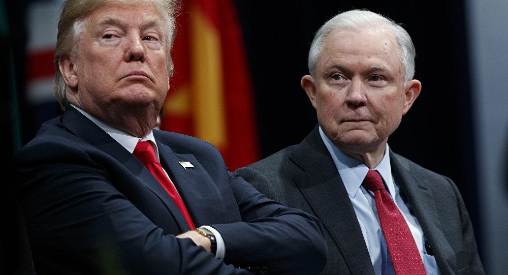 ABD Başkanı Donald Trump ve Adalet Bakanı Jeff Sessions