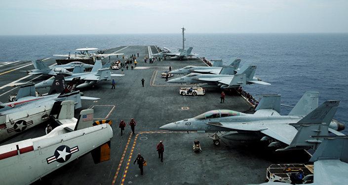 F/A-18 Hornet, E-2D Hawkeye  John C. Stennis uçak gemisi Malabar ortak tatbikatı Okinava