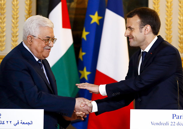 Abbas Macron Paris