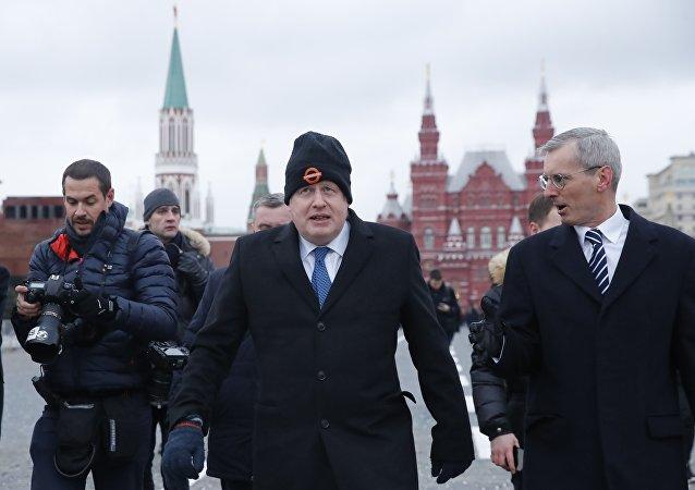İngiltere Dışişleri Bakanı Boris Johnson, Kızıl Meydan'da