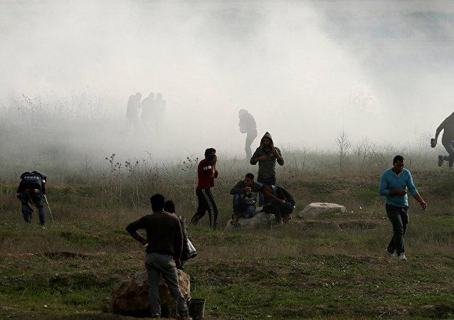 Gazze sınırında İsrail güçlerinin gazlı müdahalesi