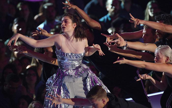 Lorde'den Filistin'e destek: İsrail konseri iptal edildi
