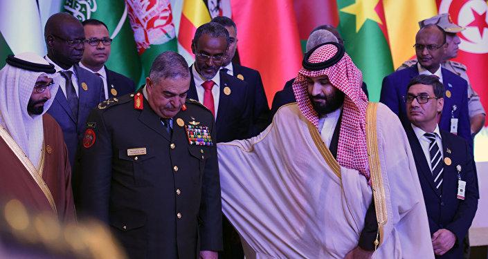 Saudi Veliaht Prensi Muhammed bin Selman ile Ürdün Genelkurmay Başkanı Mahmud Freihat