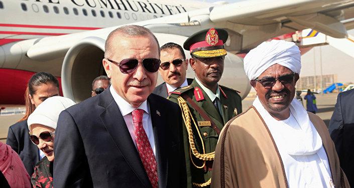 Cumhurbaşkanı Recep Tayyip Erdoğan ve Sudan Devlet Başkanı Ömer Beşir