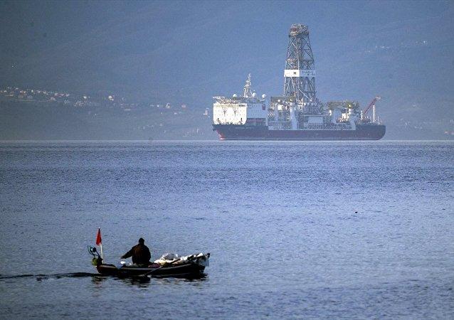 Türkiye'nin ilk sondaj gemisi Deepsea Metro-2 geliyor