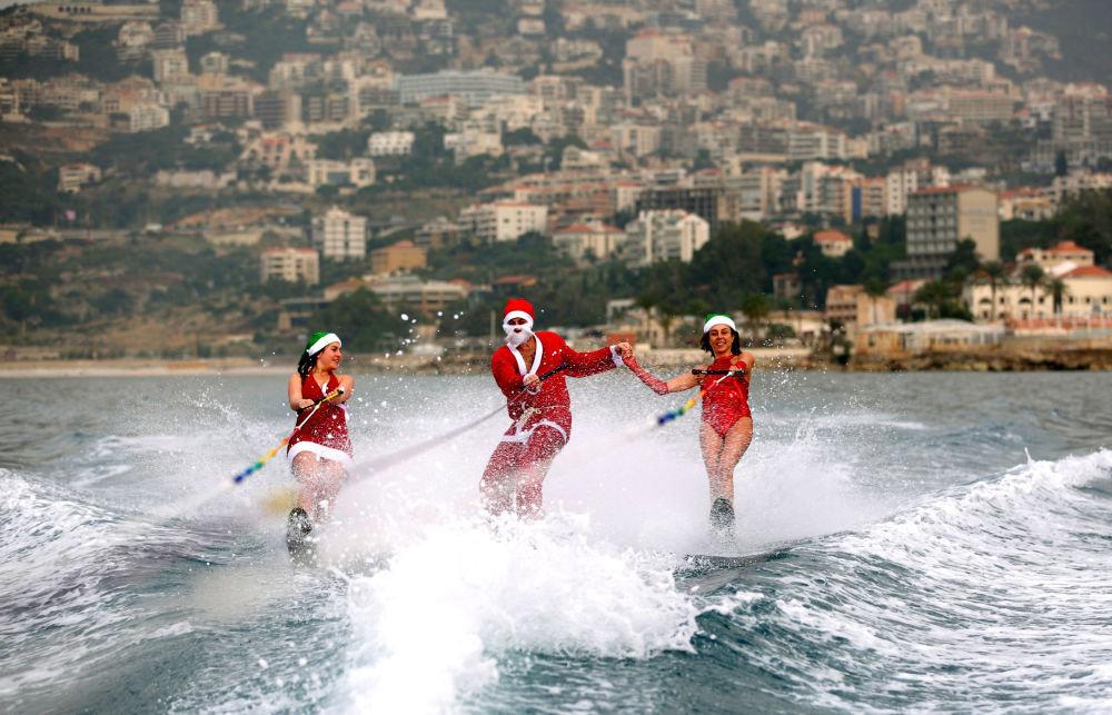 Lübnan'da bir su kayağı kulübü