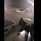 Rötarlı uçağın yolcusu acil çıkış kapısından atladı