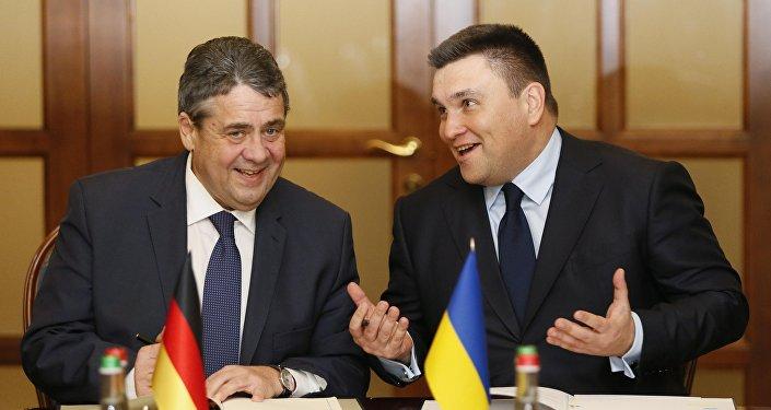 Almanya Dışişleri Bakanı Sigmar Gabriel ile Ukraynalı mevkidaşı Pavlo Klimkin
