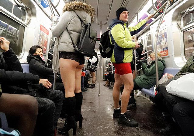 'Pantolonsuz Metro Yolculuğu' - New York