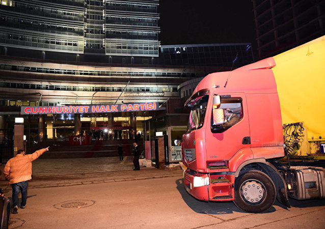 TIR'la İstanbul'dan yola çıkan CHP'li vekiller Ankara'ya ulaştı