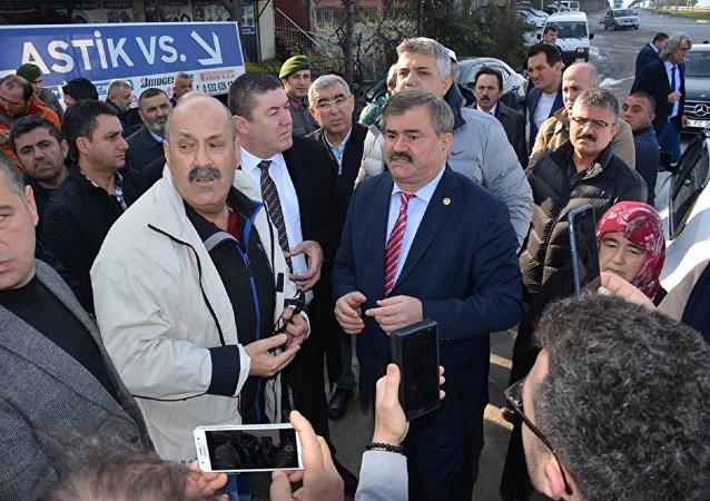 AK Partili vekilden belediye başkanına: Artistlik yapma