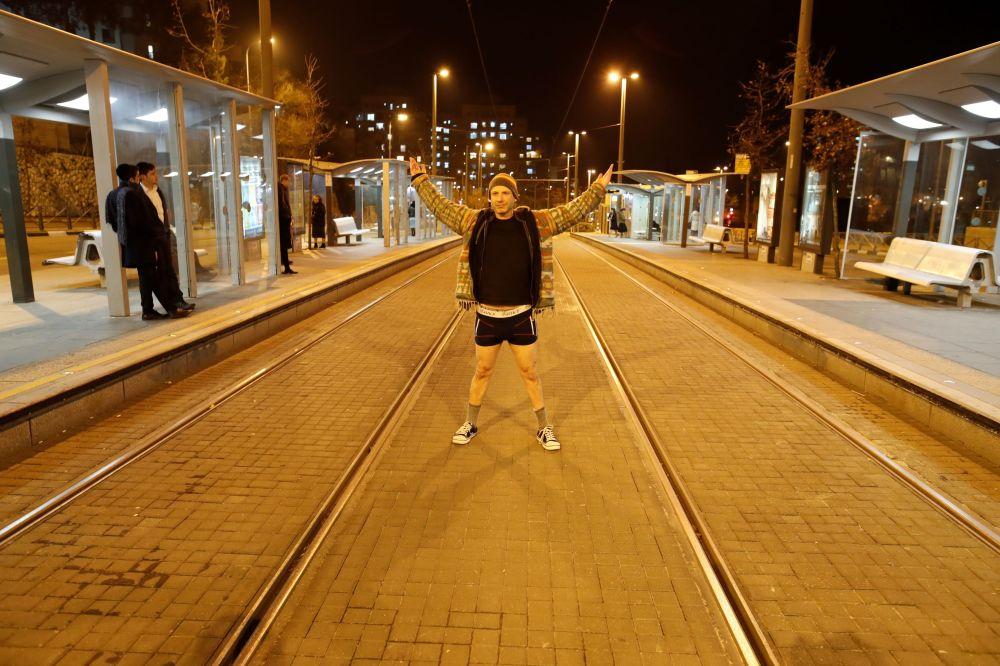 Dünya genelinde 'Pantolonsuz Yolculuk' etkinliği
