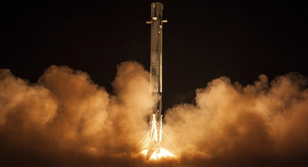 SpaceX uydusunun kaybolduğu iddia edildi