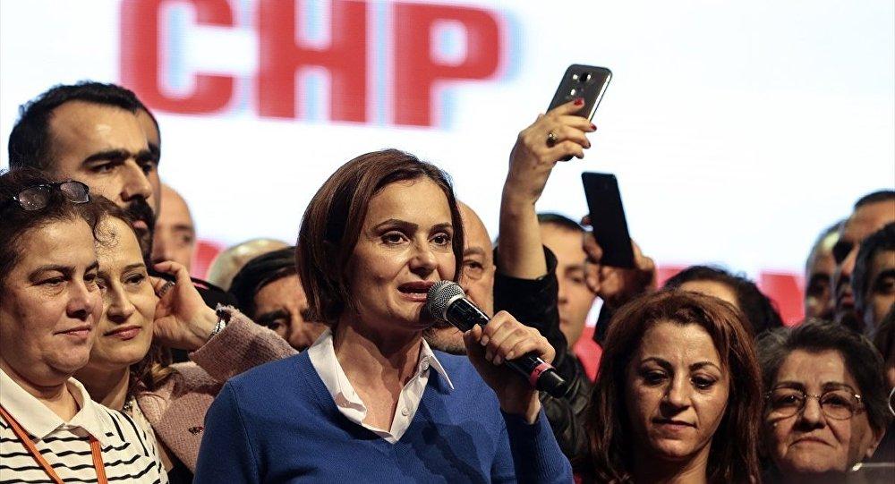 CHP İstanbul 36. Olağan İl Kongresi'nde il başkanlığına seçilen Canan Kaftancıoğlu