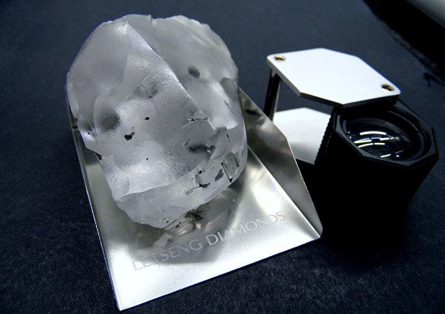 Afrika'da bulunan 910 karatlık elmas