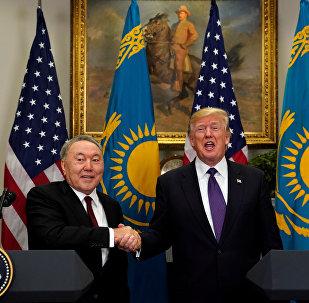 Kazakistan Cumhurbaşkanı Nursultan Nazarbayev ile ABD Başkanı Donald Trump