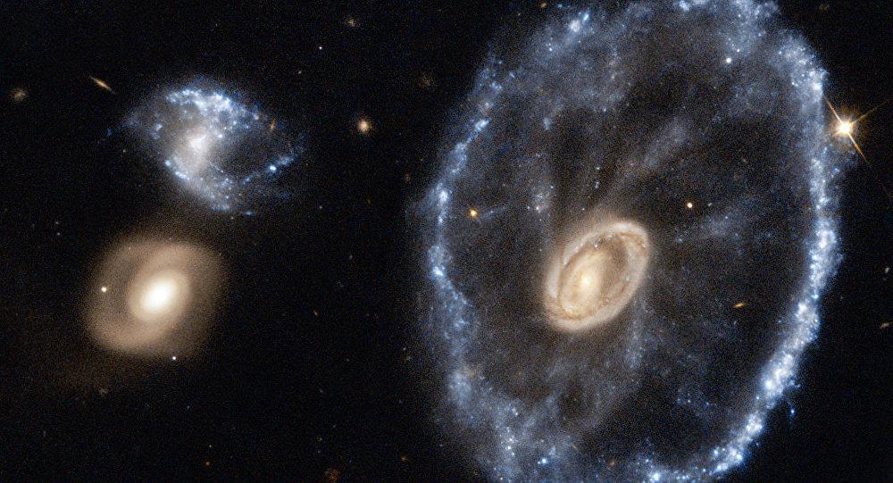 Hubble, Yontar Takımyıldızı'ndaki 'Tekerlek Galaksi'yi görüntüledi