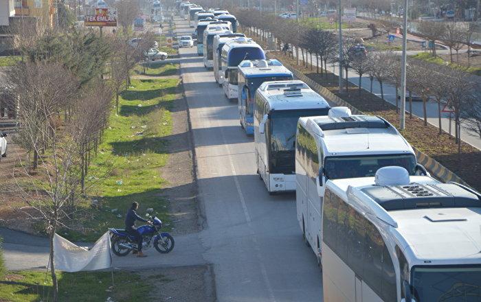 ÖSO militanları, 25 otobüsle Kilis üzerinden Afrin kırsalına sevk edildi