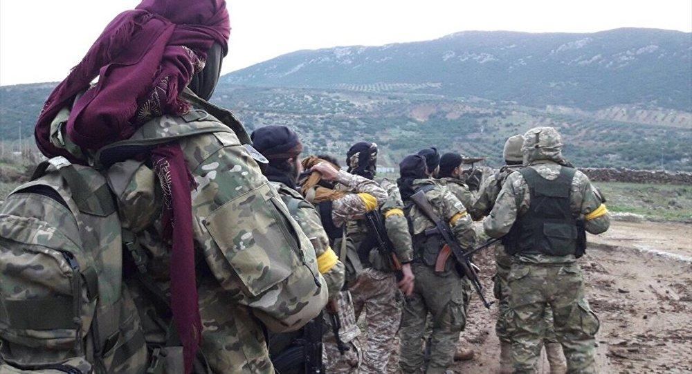TSK, Zeytin Dalı Harekatı'nda Özgür Suriye Ordusu'yla (ÖSO) ilerliyor.