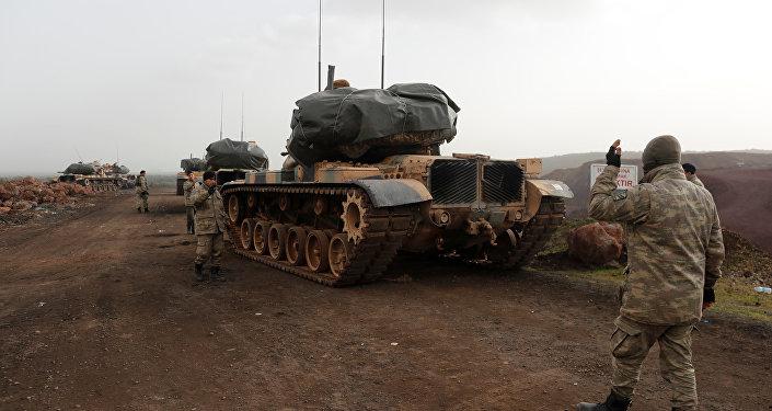 Türkiye-Suriye sınrında Türk tankları