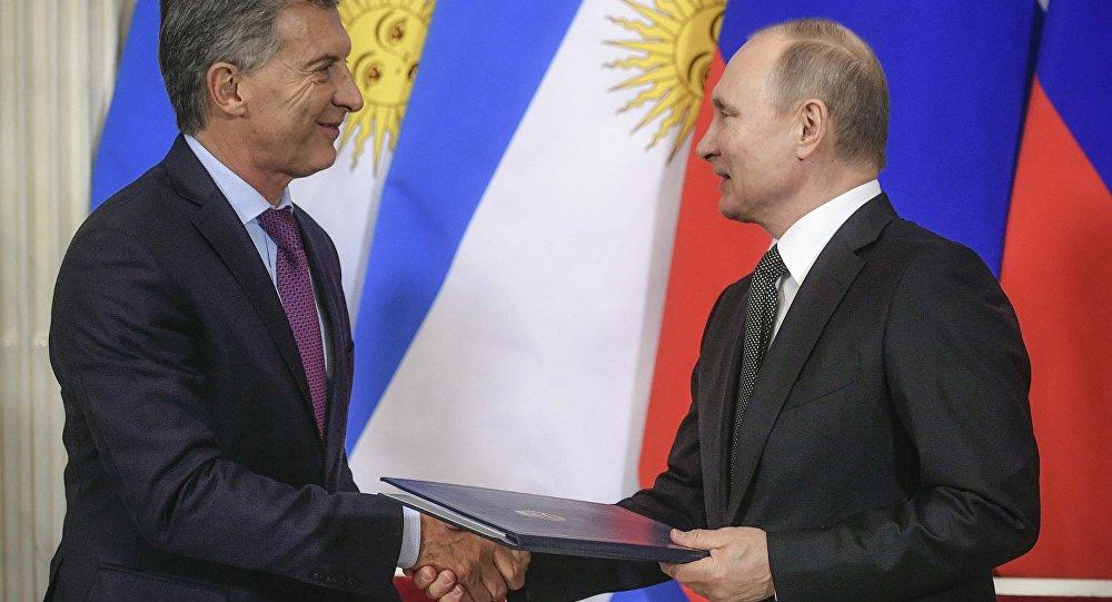 Rusya Devlet Başkanı Vladimir Putin ve Arjantin Devlet Başkanı Mauricio Macri