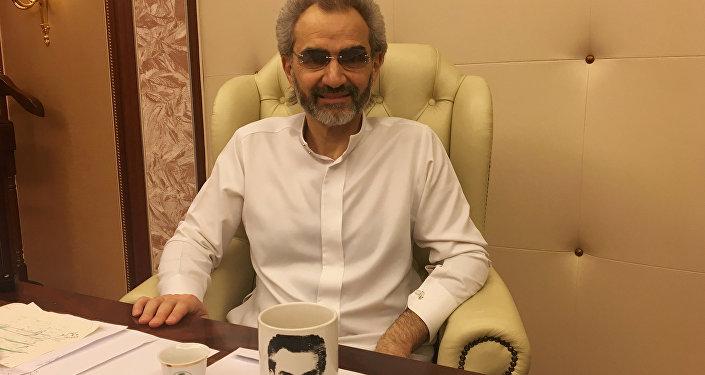 Suudi Prens Velid bin Talal bırakılmadan önce tutulduğu otel odasında Reuters'e demeç verdi