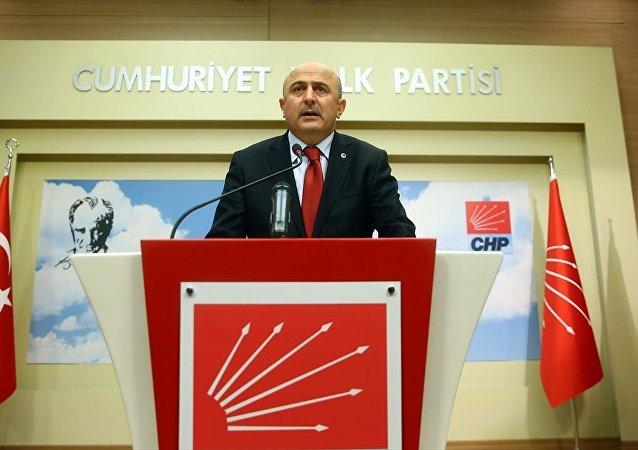 Eski YARSAV Başkanı Ömer Faruk Eminağaoğlu