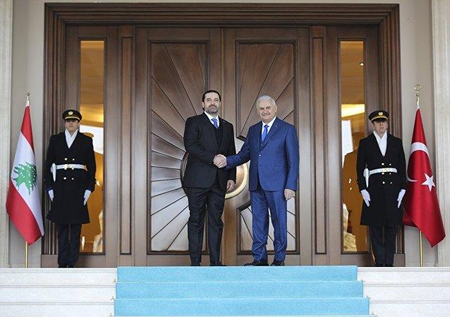 Başbakan Binali Yıldırım (sağda), Lübnan Başbakanı Saad Hariri