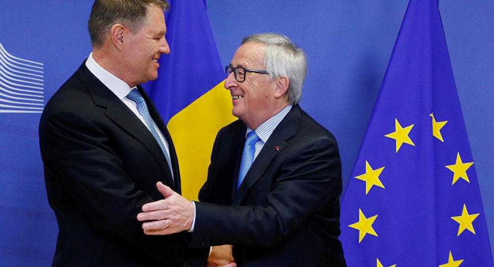 AB Komisyonu Başkanı Jean-Claude Juncker ve Romanya Cumhurbaşkanı Klaus Werner Iohannis