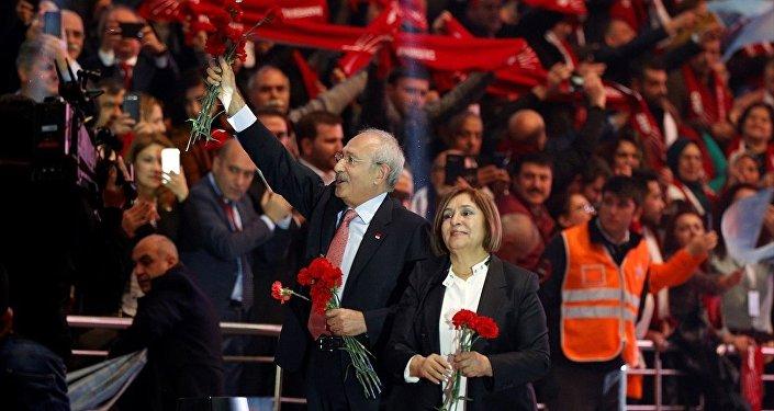 CHP Genel Başkanı Kemal Kılıçdaroğlu, eşi Selvi Kılıçdaroğlu