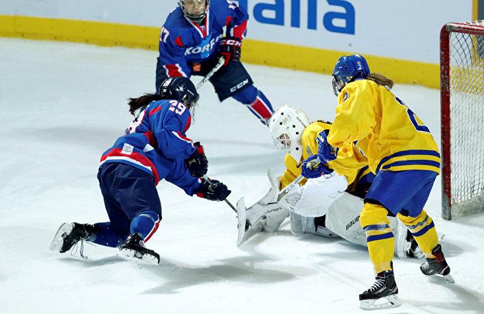 Birleşik Kore Kadın Buz Hokeyi takımı İsveç'le yaptığı dostluk karşılaşmasını kaybetti