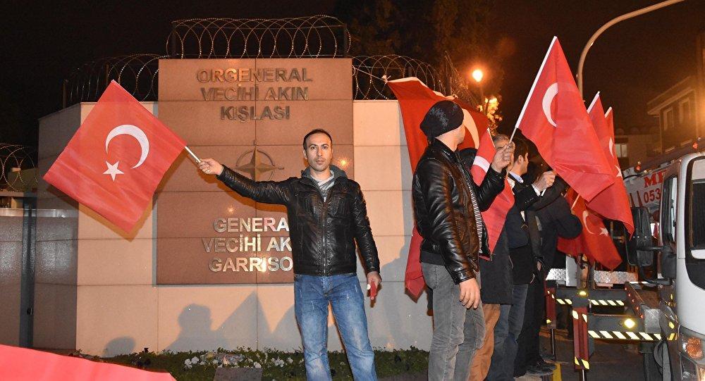 Sadece NATO değil, Türk bayrağından rahatsızlık duyan herkes aynı tepkiyi görür 27